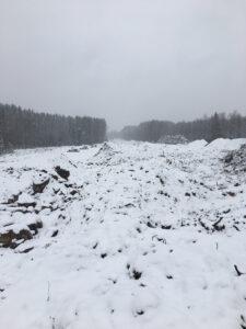 Snö över ledningssträcka