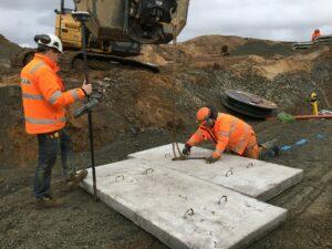 Fäster kedjor vid betongblock