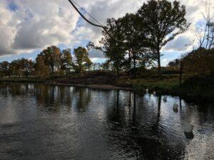 Arbetsplats vid vattendrag